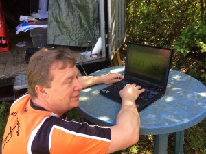 Jörg beim Einrichtung des Ampelprogramms