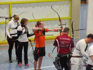 in der Bildmitte: Recurve Junioren