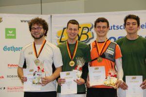 strahlende Medaillengewinner